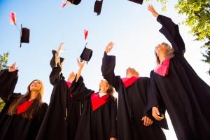 Accede a un posgrado y sigue en el camino al éxito