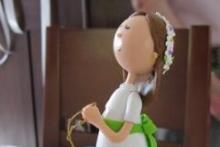 muñeca elaborada en cerámica fría